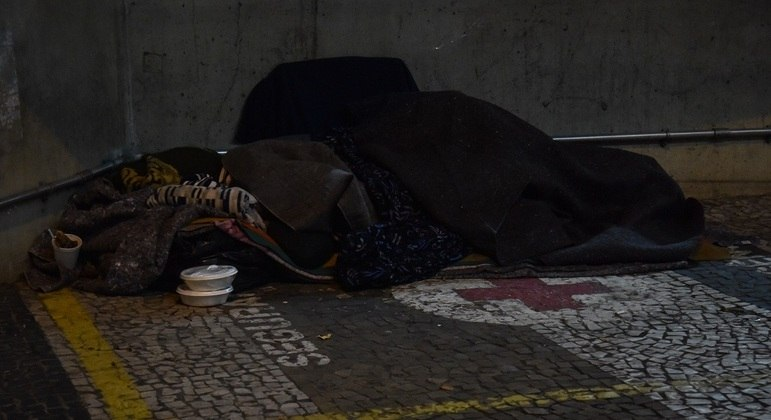 Chega a 16 o número de moradores de rua mortos em SP pelo frio