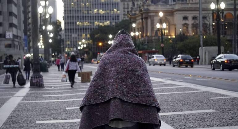 Prefeitura fará distribuição de alimentos e cobertores em dias de frio intenso