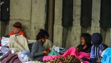Prefeitura de SP desmonta tendas de apoio à população de rua às 22h