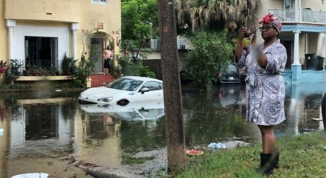 Donald Trump declarou estado de emergência por conta das previsões dos danos que o fenômeno meteorológico pode causar