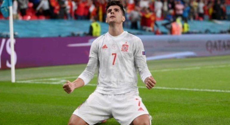 Morata marcou o gol de empate. Mas errou um dos pênaltis que eliminaram a Espanha