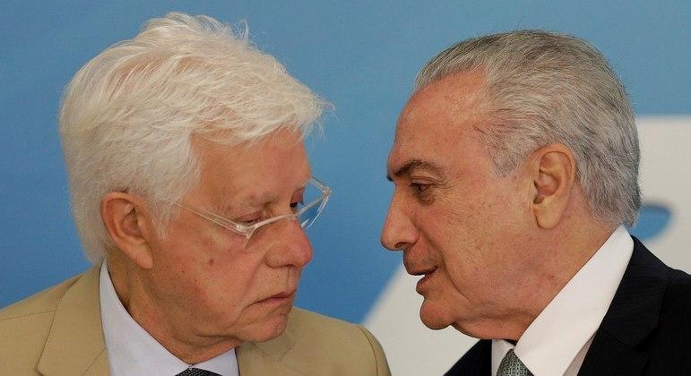 O ex-presidente Michel Temer (dir.) e o ex-ministro Moreira Franco chegaram a ser presos em 2019