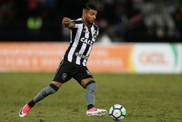 MORNO - Ex-Botafogo, o atacante Rodrigo Aguirre vem em boa fase na LDU e desperta o interesse de outros clubes. Um deles é o Tijuana, que deverá fazer uma proposta ao jogador, mas que deve ser recusada pelos equatorianos.