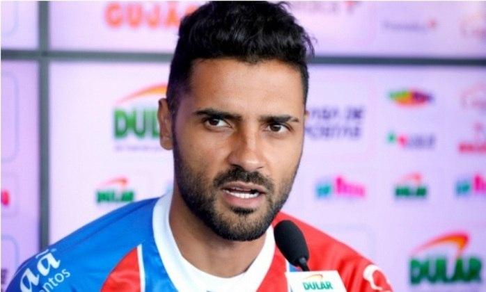 MORNO - Giovanni, em fim de contrato com o Bahia, pode ser reforço do Cruzeiro para o lado esquerdo da defesa.  já trabalhou com Enderson Moreira e deve ser anunciado nesta semana.