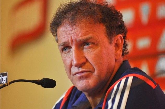 MORNO – José Carlos Peres, presidente do Santos, negou problemas com o técnico Cuca, que já teve duas passagens pelo Peixe, uma delas se encerrou no fim de 2018. Ele ainda falou que as portas do clube estão sempre abertas para o treinador.