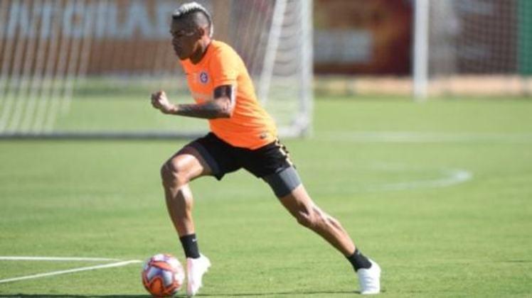 """MORNO - O atacante uruguaio Jonatan Álvez pode ter uma espécie de """"segunda chance"""" no futebol brasileiro, ao menos de acordo com o que foi veiculado pelo portal ge na última semana. De acordo com o veículo, o Fluminense está interessado em trazer o atacante."""