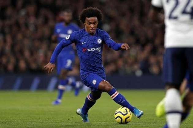 MORNO - O brasileiro Willian vive um clima de incerteza no Chelsea. Com contrato perto de se encerrar, o jogador não deve continuar nos Blues, mas pode permanecer em Londres. Segundo a