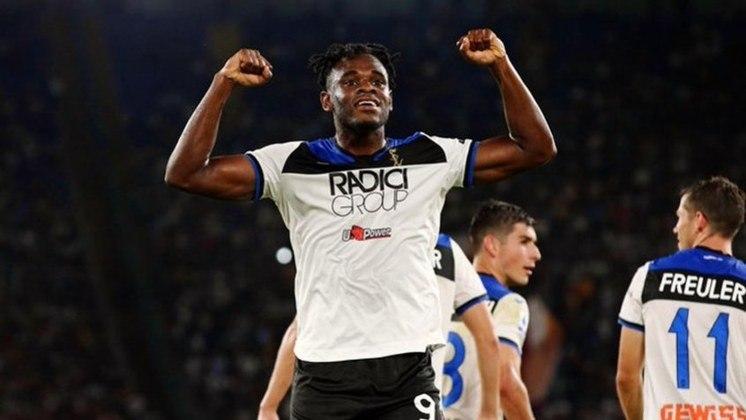 MORNO - O diário italiano 'Calciomercato' afirmou que Juventus e Roma estão interessadas na contratação do atacante colombiano Duvan Zapata, que está no Atalanta.