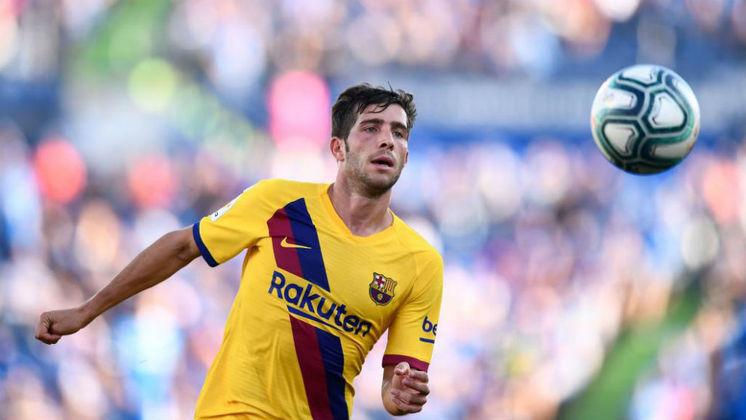 """MORNO - O Manchester City, com o aval de Pep Guardiola, perguntou sobre a situação de Sergi Roberto, segundo o """"Mundo Deportivo"""". O clube catalão pediu um tempo para analisar a possibilidade do jogador ir para o futebol inglês."""