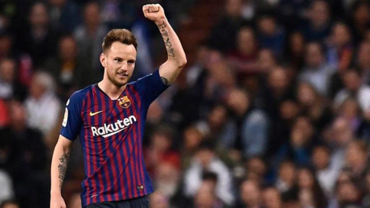 MORNO - O meia Ivan Rakitic, do Barcelona, pode deixar a Catalunha na próxima janela de transferências. Segundo o jornal