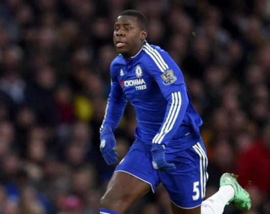 """MORNO - O Paris Saint-Germain está no mercado por zagueiro e um dos nomes que mais interessam o clube é o de Zouma, defensor do Chelsea, segundo o """"Telefoot"""". O atleta tem contrato com os Blues até 2023."""