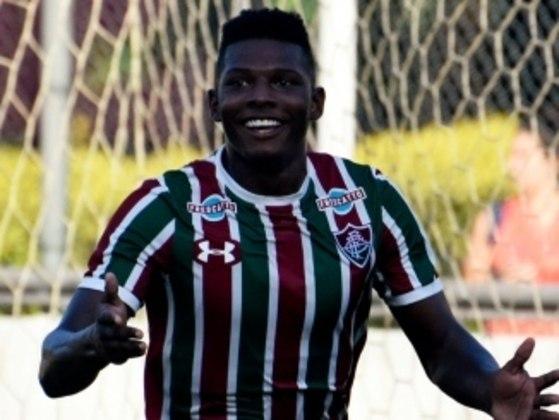 MORNO - Outro que deve deixar o clube é o meia Lucas Ribeiro, o Macula, do sub-23, também rumo ao Estoril. O caso dele ainda está sendo conversado. O jovem tem 20 anos e entrou em campo no último sábado na vitória contra o Botafogo.