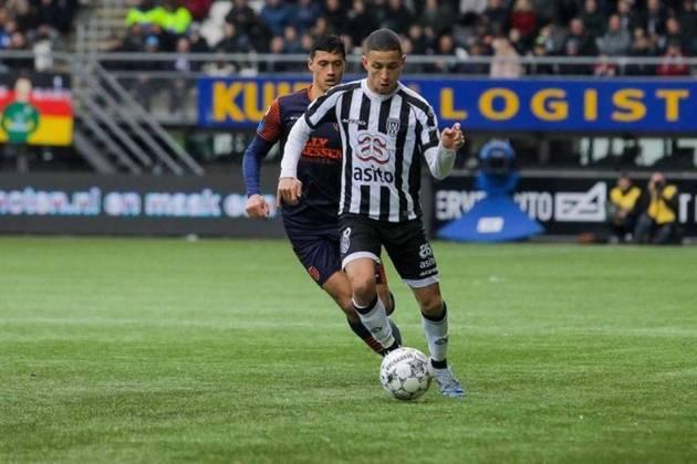 MORNO - Um dos destaques do Heracles Almelo nesta temporada, o meia Mauro Junior pode deixar a Holanda na próxima janela de transferências. Segundo a imprensa da Turquia, o Fenerbahçe tem interesse no brasileiro, a quem o classifica como