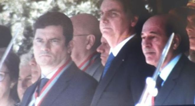 Ministro Sérgio Moro condecorado pela Ordem do Mérito Naval nesta terça-feira