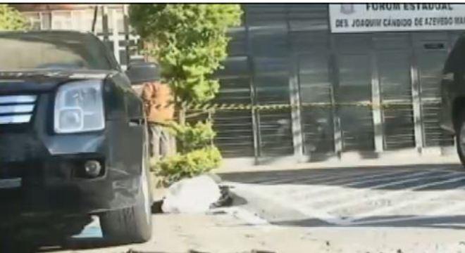 Homem atirou na ex-mulher e matou o advogado dela em 2012 dentro do fórum