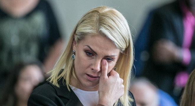 Ana Hickmann lamentou morte de Gugu aos 60 anos