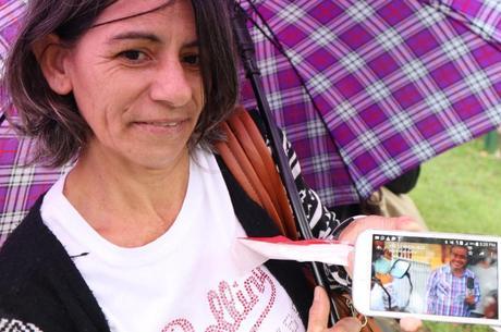 Creusa mostra foto de Gugu em sua cidade natal