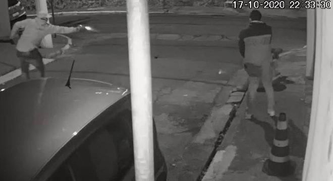 Tentativa de assalto deixa dois irmãos baleados na zona oeste de SP