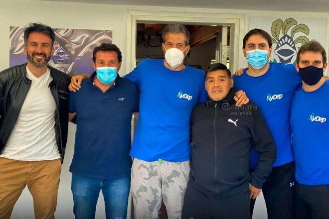 Outro fato apontado pelo site argentino e que será investigado pela Justiça é que a equipe médica que atendia Maradona não tinha um cardiologista. Mesmo com histórico de doenças cardíacas, o ex-atleta não recebia visitas regulares de um especialista na casa onde viveu os último dias, em Tigres