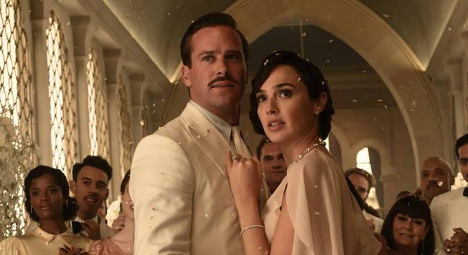 Armie Hammer e Gal Gadot em cena do filme 'Morte no Nilo', adiado para 2022