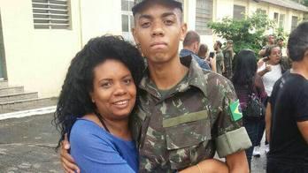 __Após 2 anos, família procura resposta por morte de 3 soldados__ (Arquivo pessoal)