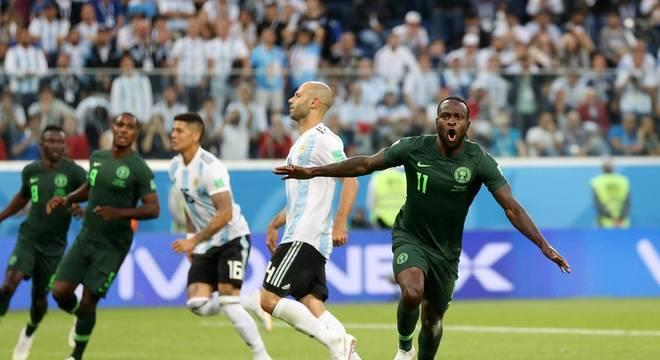 Moses anuncia aposentadoria da seleção nigeriana   Focar no Chelsea ... 6c9fe9534b265