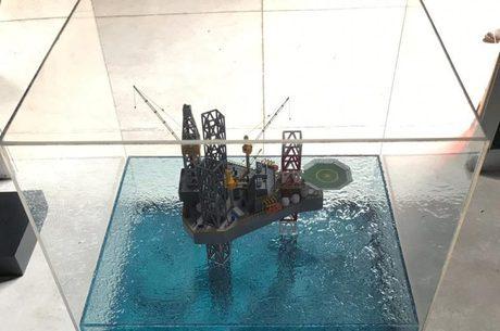 Desafio de vencer as águas profundas para extrair petróleo