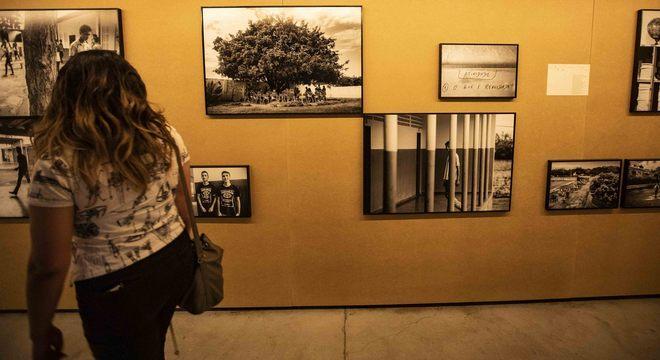 Cotidiano de escolas de todo o Brasil retratados em imagens e depoimentos