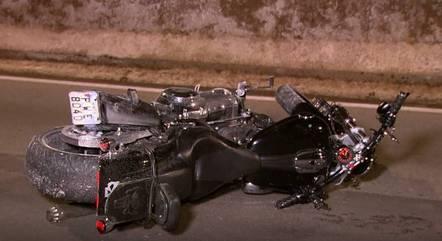 Homem estava dirigindo uma Harley Davidson