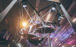Moto do Homem Aranha pendirada no teto  / Divulgação Yamaha