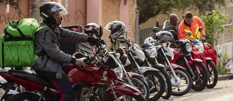 Motoboys não recebem itens básicos de esterilização