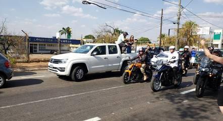 Presidente Jair Bolsonaro participa de passeio de moto em Goiânia