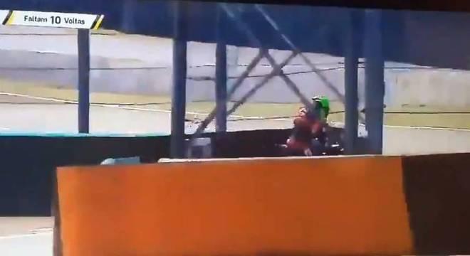 Prova foi interrompida após o acidente
