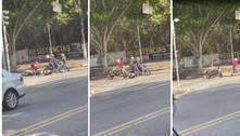 Motoqueiro reage a assalto contra 4 e recupera moto em SP. Veja vídeo