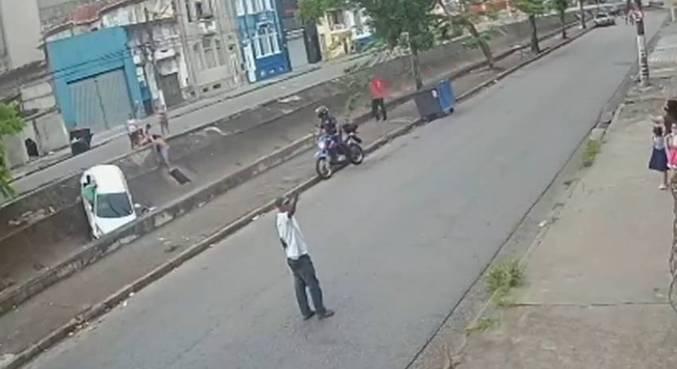 Segundo testemunhas, motorista fugiu sem prestar socorro
