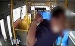 Durante a viagem, ele se recusou a seguir a recomendação do motorista para usar a máscaraLeia mais!Cobra com mais de 1 m é adotada após ser removida de vaso sanitário