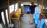 O jornalGuangzhou Daily identificou o agressor pelo sobrenome Li. O veículo apurou que o passageiro havia bebido diversas garrafas de cerveja antes de embarcar no coletivo