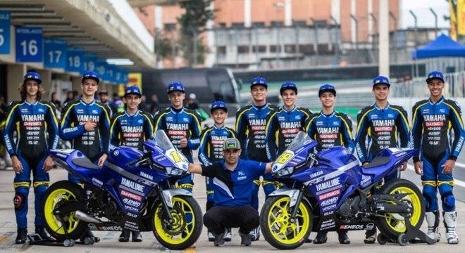 Equipe de Alan Douglas conta com 10 jovens pilotos que receberam apoio