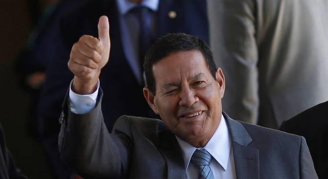 Mourão em estado no centro de várias polêmicas do governo Bolsonaro