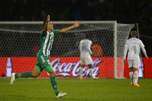 Moutaouali - Raja Casablanca - Semifinal Mundial de Clubes 2013- O Raja Casablanca, do Marrocos, protagonizou uma das maiores zebras do Mundial ao eliminar o Atlético Mineiro por 3 a 1. Moutaouali marcou um dos gols e foi o jogador mais perigoso da equipe marroquina na partida.