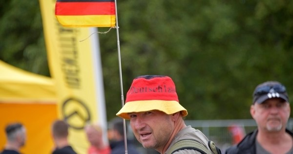 Alemanha reforça alertas contra grupo de extrema-direita