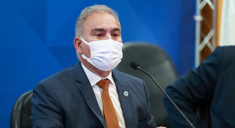 O ministro Marcelo Queiroga, que voltou dos EUA ao Brasil após quarentena por Covid-19