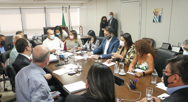 Ibaneis se reúne com cúpula da Saúde ants do anúncio de novo nome para comando da pasta