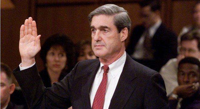 Mueller assumiu o FBI pouco antes de esse mudar completamente...