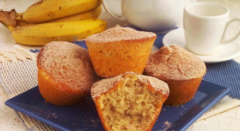 Muffin de banana e chá verde