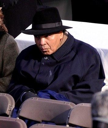 Muhammad Ali, por tudo que lutou, dentro e fora dos ringues, será pra sempre um dos maiores de todos os tempos