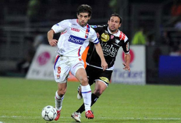 Muitos dizem que ele foi determinante para colocar o clube no mapa do futebol europeu na década passada. Foram sete títulos franceses, seis Supercopas da França e uma Copa da França.