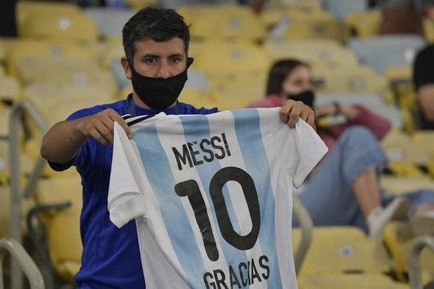 Muitos torcedores argentinos vieram presenciar a final da Copa América 2021.