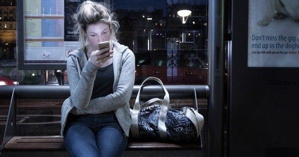 Nove em cada 10 mulheres sofrem assédio pelo celular, diz pesquisa