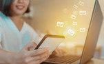 Também não é possível enviar mensagens por inbox, outro aspecto que a diferencia das demais plataformas
